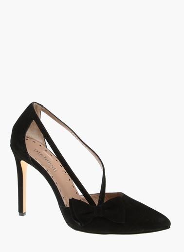 Divarese İnce Topuklu Deri Ayakkabı Siyah